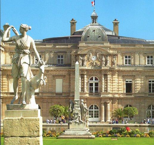 Le Senat Hote Du Palais Du Luxembourg